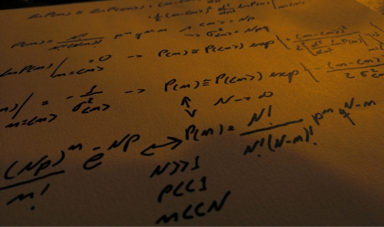 Revisão da distribuição binomial e discussões sobre seus conceitos